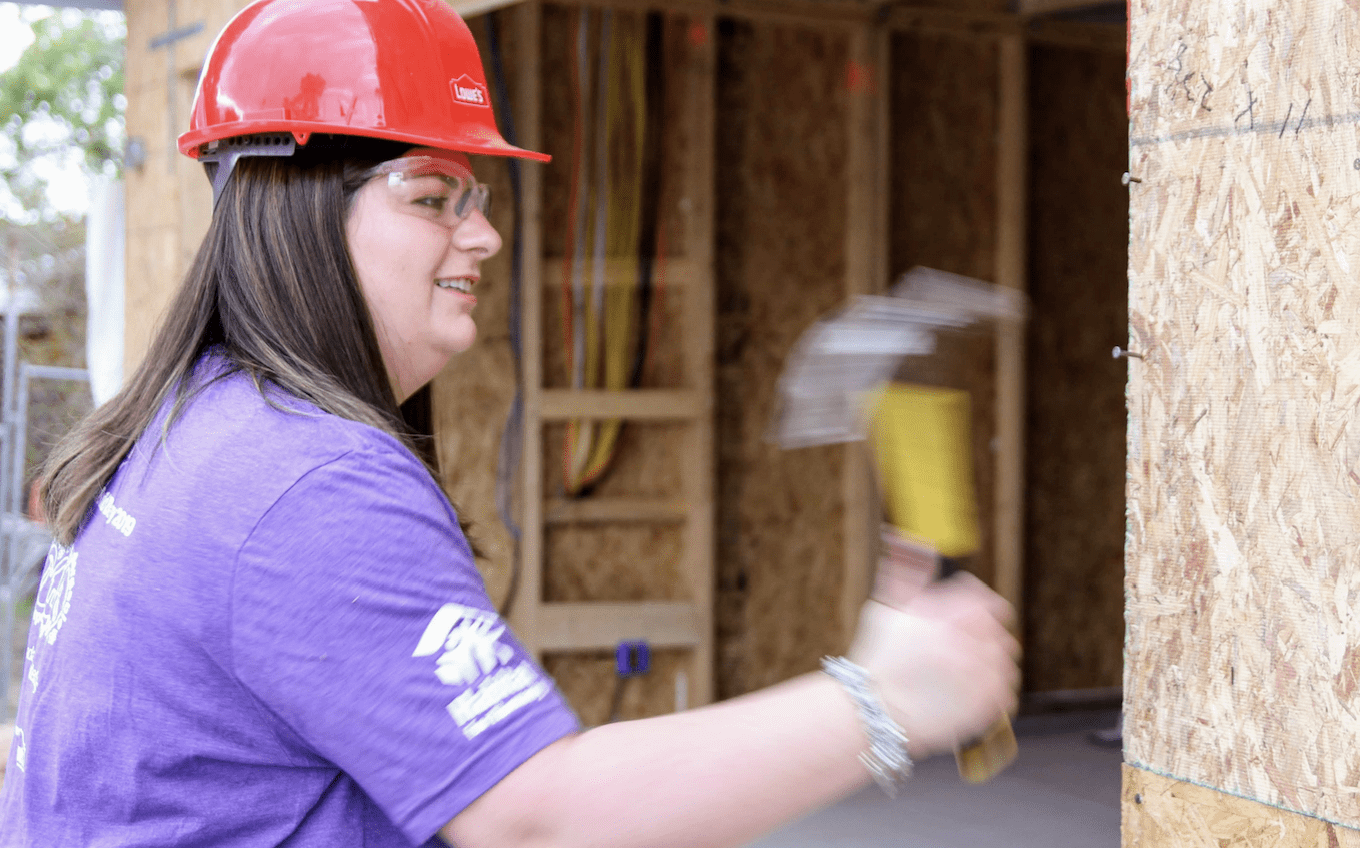 lowes hammering | Habitat for Humanity Central Arizona